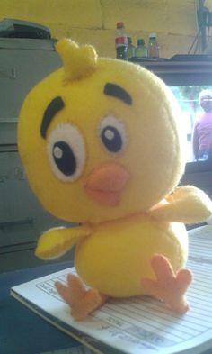 Pintinho amarelinho de feltro