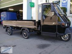 click for next image... Piaggio Vespa, Vespa Lambretta, Vespa Ape, Electric Tricycle, Food Truck Design, Engin, Mini Trucks, Cool Motorcycles, Pontoon Boat