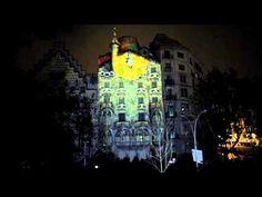 La Casa Batlló, obra maestra de Antoni Gaudí, celebró 10 años de visitas culturales y compartió con toda la ciudad de Barcelona un espectáculo audiovisual sorprendente y vibrante, que desveló todas las simbologías e interpretaciones que inspiraron al genial arquitecto a la hora de crear tan excepcional fachada.
