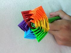 Rainbow Rose Pen  http://duckbrand.com/Duck%20Tape%20Club/ducktivities/school-crafts/rainbow-flower-penflower