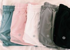 Lululemon shorts ideen for teens frauen shorts outfits Athletic Outfits, Sport Outfits, Trendy Outfits, Summer Outfits, Cute Outfits, Fashion Outfits, Athletic Shorts, Athletic Wear, Prep Fashion