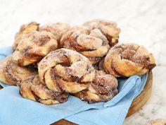 Dessert Recipes, Desserts, Cake Cookies, Bagel, Apple Pie, Food And Drink, Sweets, Bread, Breakfast