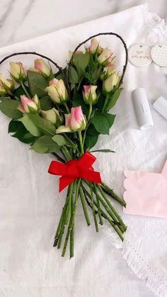 How To Wrap Flowers, Diy Flowers, Paper Flowers, Balloon Flowers, Flower Shop Decor, Flower Decorations, Flower Box Gift, Flower Boxes, Creative Flower Arrangements