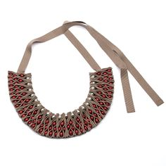 DAY MUSE Inspire any impressionist painter with this bib necklace. Enlighten them with your beauty and become a work of art.