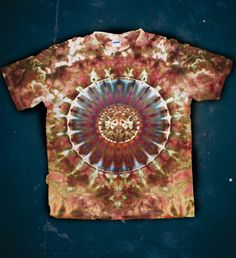 Size L Tie Dye Abstract Earthy Shirt Psychedelic T-shirt Material cotton jersey. material is very comfort and soft. hand dyed with fiber-reactive dyes procion MX. Machine wash Size L How To Tie Dye, How To Dye Fabric, Cutting Ties, Shirt Cutting, Tie Dye Crafts, Tie Dye Techniques, Ice Dyeing, Tie Dye Patterns, Blue Ties