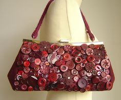 pre-loved woollen bag, vintage buttons, hours of work. Proves you can dress-up anything with buttons!  =]