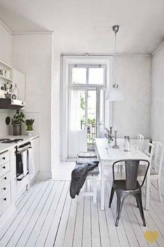 Gorgeous #shabby #white #floor in the #kitchen