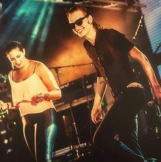 Happy Weekend!💃🏼 #jettrebel #jettrebelfan #singer #singersongwriter #multiinstrumentalist #guitarist #pianist #musician #ambergomaa #vocals #music #instamusic #pop #rock #psychedelic #concert #live #fun #dancing #thebest #dutchvalley #musiclife #wealllovejettrebel #saturday #goodmorning  Original pic by Elke Briers