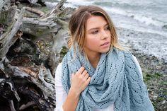 "lazy-vegetarian: ""shells & tide by Veronika Jobe (free pattern on Ravelry) """