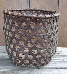 ANTIQUE SHAKER BASKET with ORIGINAL BLUE MILK PAINT - SCARCE FANCY ... Old Baskets, Vintage Baskets, Wire Baskets, Willow Weaving, Basket Weaving, Cheese Baskets, Old Wicker, Bountiful Baskets, Weaving Projects
