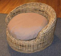 Wicker Dog Bed: Small Size - Wicker A-Z