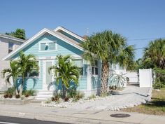 Blue Water Cottage - Walk To The Beach... Madeira Beach