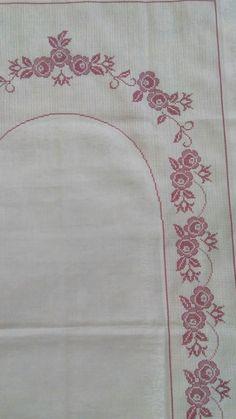 Cross Stitch, Decor, Embroidery Designs Free, Tablecloths, Embroidered Towels, Cross Stitch Embroidery, Dots, Punto De Cruz, Decoration
