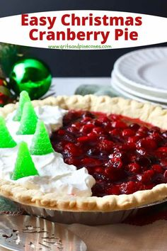 Savor the flavors of fresh tart cranberries and citrusy orange marmalade as they come together in this unique and delicious Christmas Cranberry Pie. It's easy to make and incredibly delicious! New Year's Desserts, Valentines Day Desserts, Cute Desserts, Low Carb Desserts, Christmas Desserts, Dessert Recipes, Dessert Ideas, Christmas Pies, Appetizer Recipes