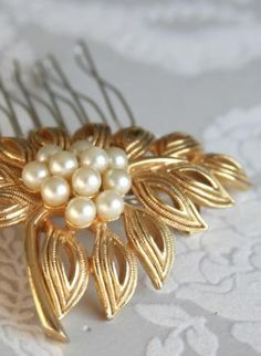 Vintage Rhinestone and Pearl Bridal Hair Comb, Accessory, Vintage rhinestone and pearl bridal hair, Chic