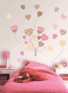 dibujo de corazones en el cuarto de los niños