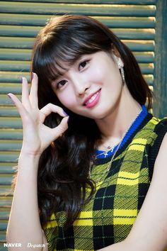 Twice / Momo / Yes or yes Nayeon, Kpop Girl Groups, Korean Girl Groups, Kpop Girls, Twice Songs, J Pop, Twice Fanart, Chaeyoung Twice, Myoui Mina