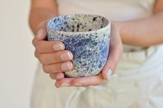 Ceramic tumbler hand