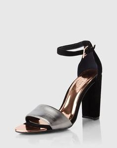 Sandal: 'Caiye' from Ted Baker. Click on the picture to get the product ♥︎