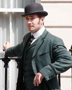 A dapper Matthew Macfadyen filming in Dublin for Ripper Street - via @Darcy Fitzpatrick Barton