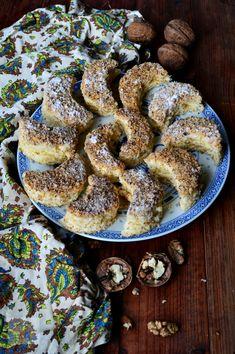 Semiluna cu nuca - CAIETUL CU RETETE Romanian Desserts, Romanian Food, Jacque Pepin, Croatian Recipes, Food Festival, Cake Cookies, I Foods, Cheesecakes, Sweet Tooth