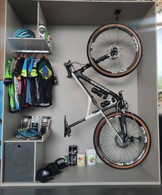 Bicycle Store, Bicycle Art, Bicycle Design, Mt Bike, Bike Run, Spin Bikes, Road Bikes, Specialized Mountain Bikes, Xc Mountain Bike