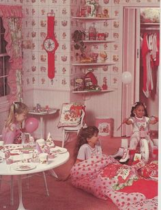 Strawberry Shortcake Bedroom circa I had that exact sleeping bag!