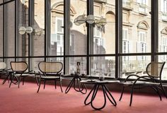 Love this modern take on the traditional Thonet chair. Lehnstuhl by Nigel Coates