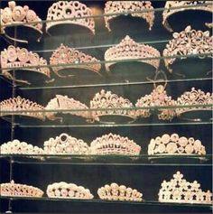 Image de princess, crown, and tiara Royal Crowns, Royal Jewels, Tiaras And Crowns, Crown Jewels, Pageant Crowns, Royal Tiaras, Crown Royal, Queen Crown, Circlet