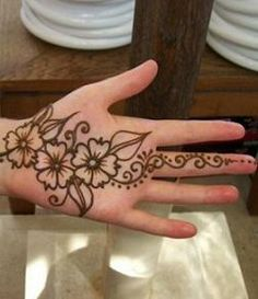 Latest Indian Sudani Pakistani arabic arabian Mehndi Designs images2012 2011 fashion Henna: Latest Cool Fine Sudani with Arabian & Indian Touch Mehndi Designs of Shoulders, hands and legs foot