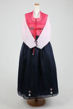 Including shoes' height when you want to wear high heels with this dress. Korean Traditional, Costumes For Women, Pink, How To Wear, Color, Tops, Dresses, Vestidos, The Dress
