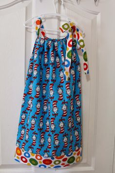 Love this DIY pillowcase dress Sewing Kids Clothes, Sewing For Kids, Baby Sewing, Free Sewing, Diy Clothes, Dress Tutorials, Sewing Tutorials, Sewing Projects, Pillowcase Dress Pattern