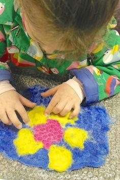 Hand felted Mothers Day Art #handfelted #feltmaking  #workshop #feltmakingworkshop #Mothersday #FairyTale_Fair #karenraofelt