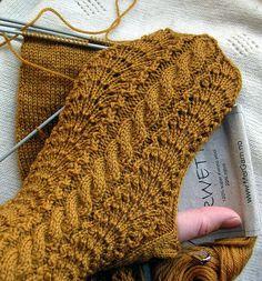 Ravelry: Strikkepanja's Sunday mittens