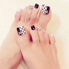 Black & white rhinestone fake toe nails in 2019 faux toe nai Pretty Toe Nails, Cute Toe Nails, Toe Nail Art, My Nails, Acrylic Nails, Nail Store, Toe Nail Designs, Pedicure Nails, Prom Nails