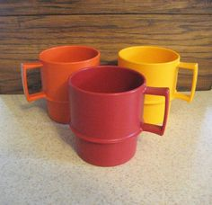 Tupperware mugs - vintage Tupperware - Stackable Coffee Cups - Tea Cups - Set of 3 Tupperware Coffee Cups - Gift for Her by DesignsByWillowcreek on Etsy Vintage Tupperware, Tea Cup Set, French Country Cottage, Vintage Kitchen, Vintage Decor, Coffee Cups, Gifts For Her, Etsy Shop, Mugs