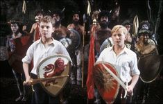Proof of wonderfully random creativity and visual problem solving in the BBC's Narnia adaptation is one of my favourite childhood memories - and perfect to re watch on Sundays. Narnia Lion, Narnia 3, Narnia Costumes, Narnia Prince Caspian, Chronicles Of Narnia, Beautiful Lines, Video Film, Old Movies, Line Drawing