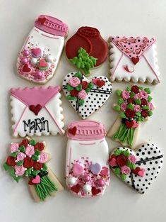 Valentine's Day cookies, mason jar, heart, flower bouquet, rose, envelope cookies