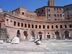 Marchés de Trajan - vus du Forum de Trajan