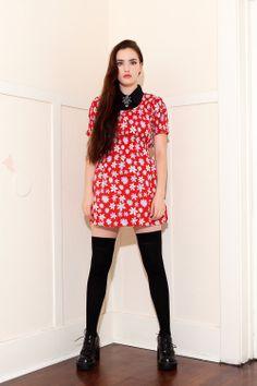 VTG 90s Red Scrunch Bodice Daisy Floral Print Babydoll Dress