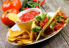 Enjoy the fiery hot and tangy flavors of Mexican food. Right from tacos to margaritas, here some Mexican recipes with a healthy twist. Mexican Food Recipes, Healthy Recipes, Ethnic Recipes, Easy Recipes, Tequila, Restaurant Names, Tacos And Burritos, Eating At Night, Fat Burning Foods