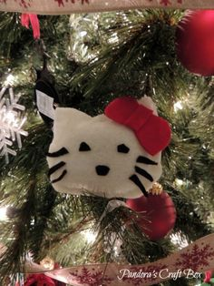 Felt Character Christmas Ornament Craft for Kids (she: Loren) - Or so she says...