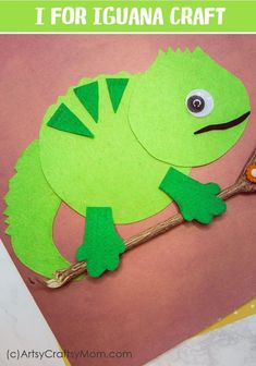 I for Iguana Craft with Printable Template This craft is from the eBook – A to Z Alphabet Animal Crafts for Kids by @artsycraftsymom. Perfect for Letteroftheweek activity, alphabet craft, classroom decor, a birthday party or as animal crafts. Click to download the printable template to make your own.