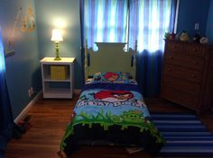 Angry Birds bedroom - possibility for the wall color since we already have the comforter