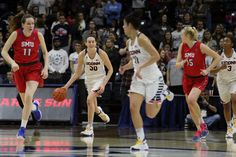 No college basketball player has won four consecutive N.C.A.A. Division I titles, but Breanna Stewart, the two-time player of the year, and her classmates are close.