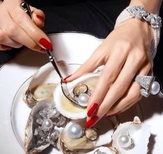 Pearls and diamonds, love them all... Great picture btw