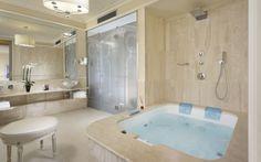 Pool Suite Bathroom  http://www.hotelbrunelleschi.it