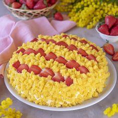 La torta mimosa alle fragole è pronta! Dedico questa torta a tutte voi che mi seguite con l'augurio che gli uomini possano preparare questo dolce alle donne della loro vita! Krispie Treats, Rice Krispies, Biscotti, Recipies, Desserts, Food, Beauty, Tasty Food Recipes, Cream