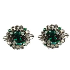 Emerald and silver blast earrings.  #Rada #boomandmellow #vintage #jewellery  #earring #earrings #jewels #accessories #accessory #artistic #pretty #italian #gem