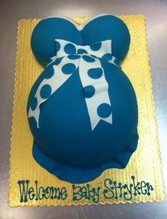 Giant Cupcake Cake by Stephanie Dillon LS1 HyVee Bakery